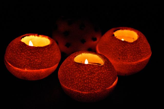 Mandarini con lumini