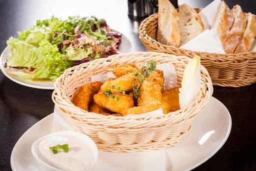 Nuggets di pollo in crosta di pane e parmigiano