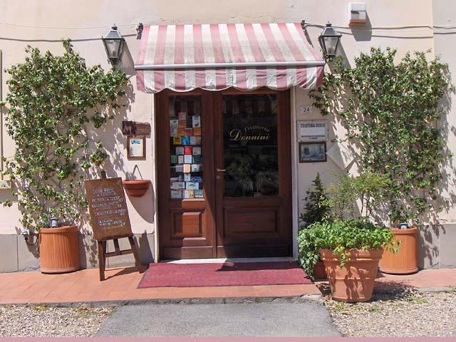 http://www.originalitaly.it/uploads/vetrine/00004925/image/trattoria-donnini_ingresso1.jpg