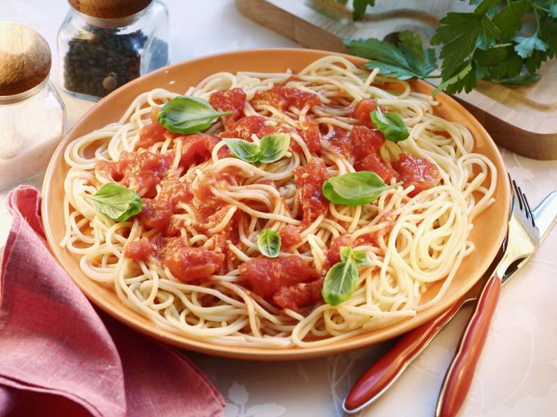 spaghetti-pomodoro-e-basilico.jpg